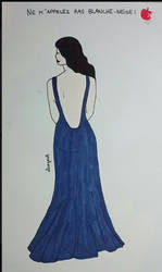 Blanche et sa robe bleue par @alicegonth