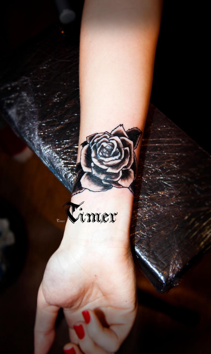 40+ Most Beautiful Black Rose Tattoo Images