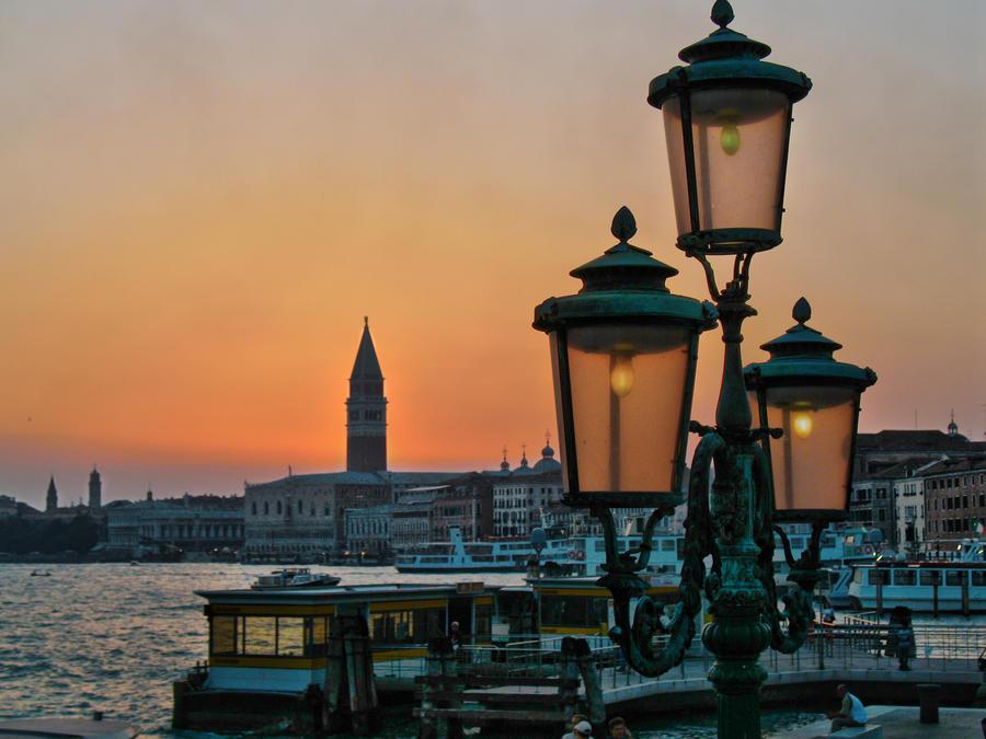 Venice by reativar