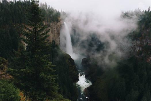 PublicDomain Waterfall Llars Mai