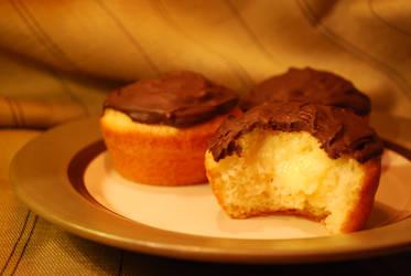TopShelf Boston Creme Cupcake by PRND3L