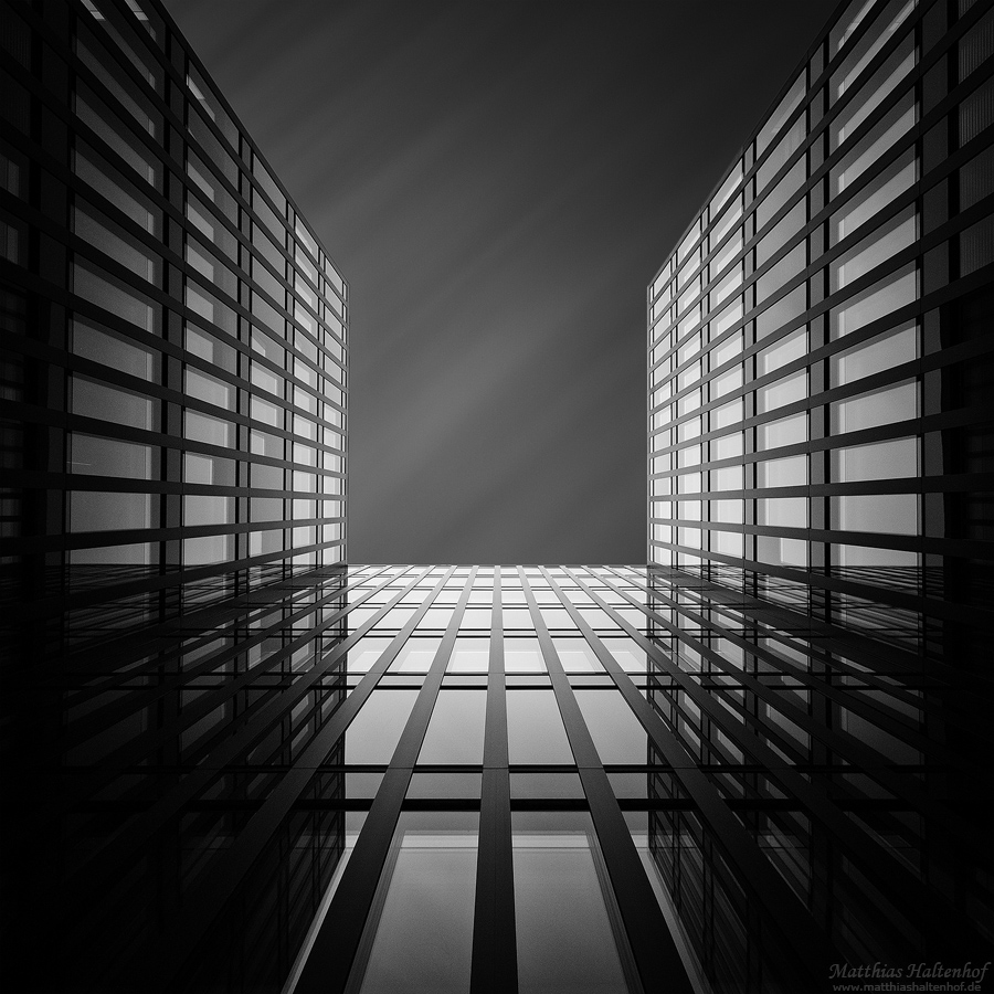 Hamburg 2 by MatthiasHaltenhof