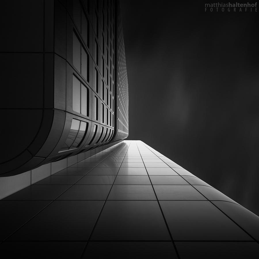 Silberturm 2 by MatthiasHaltenhof