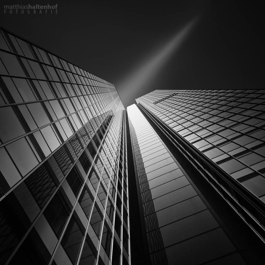 Volksbank Frankfurt by MatthiasHaltenhof