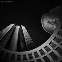 Tower 185 by MatthiasHaltenhof