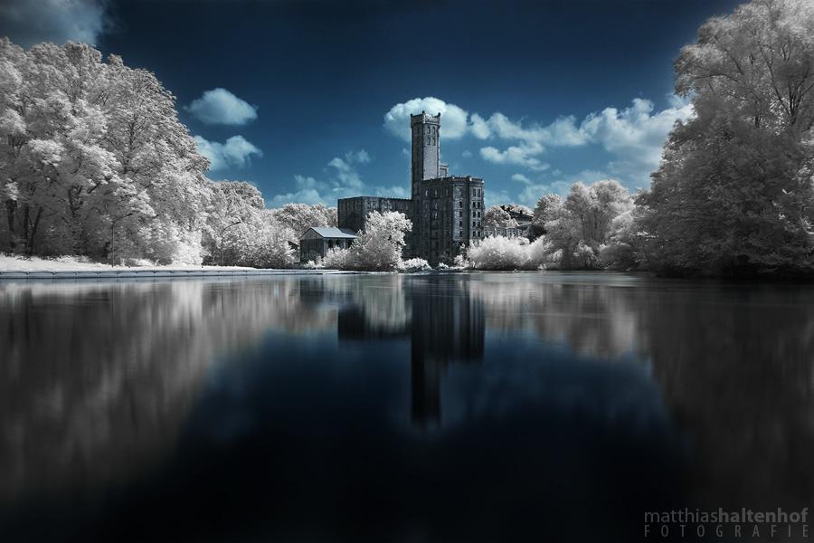 Cloud Factory by MatthiasHaltenhof