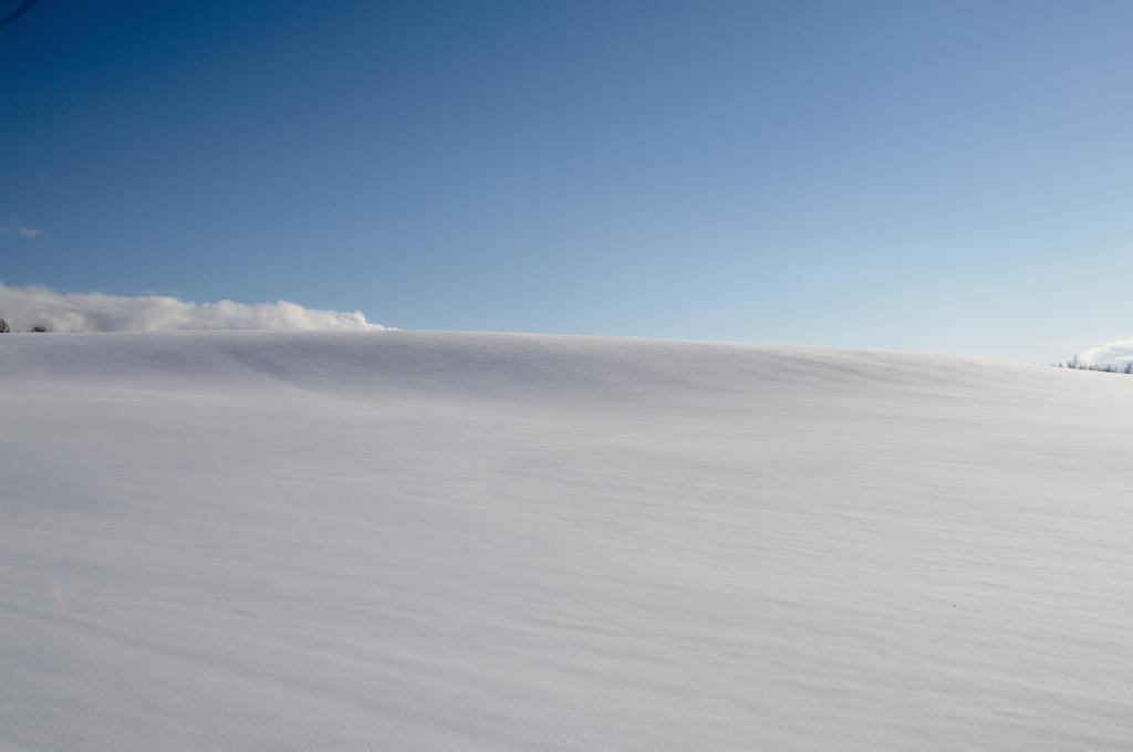 winter hills by kuroihikari