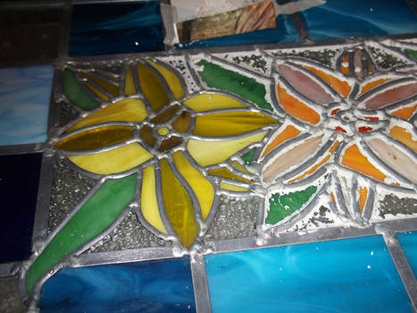 Lillies,puttying.. sigh.. leaded glass 101..