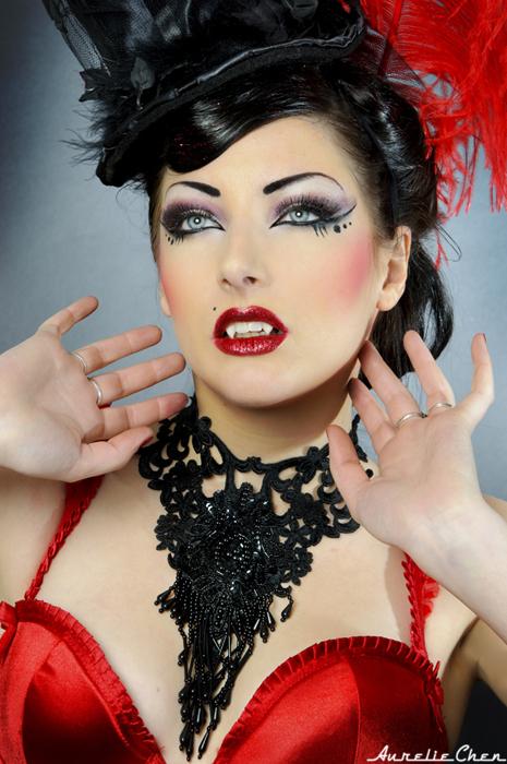 http://fc04.deviantart.net/fs70/f/2012/044/b/d/comtesse_burlesque_by_aureliechen-d4pman7.jpg