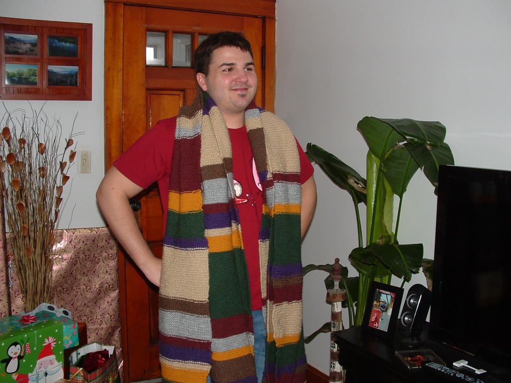 Tom Baker Scarf Knitting Pattern : Tom Baker Scarf finished by talaieidle on DeviantArt