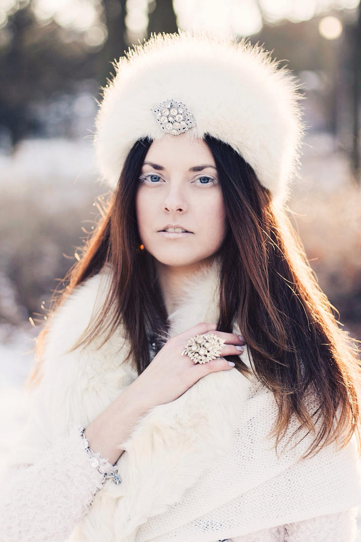 Snow Queen by FiorOf