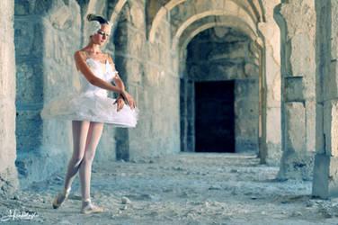 Ballerina I by steelhearted