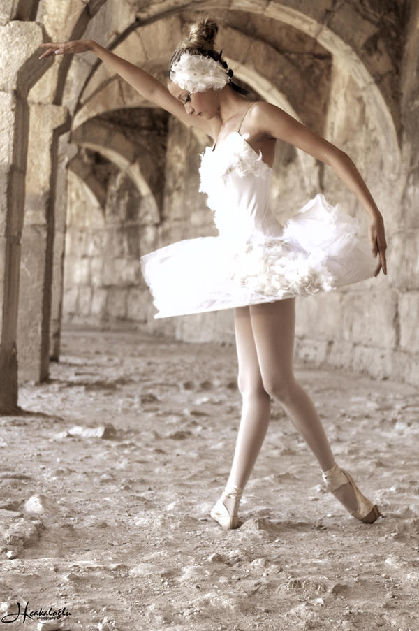 Balerina - Page 2 Ballerina_VII_by_steelhearted
