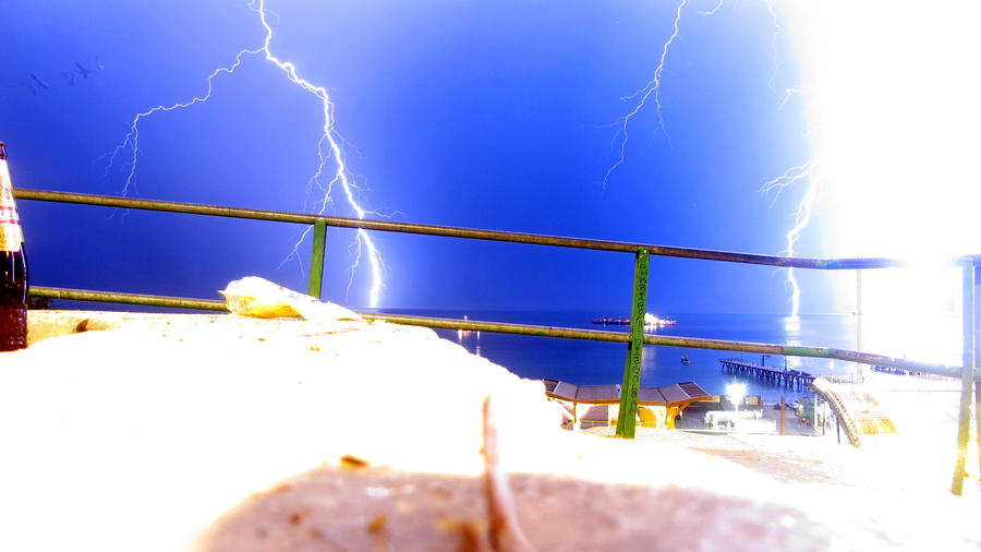 lightning by Rom-Stol