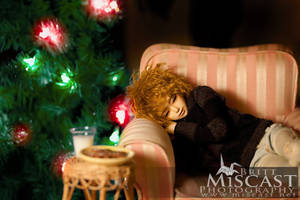 Waiting for Santa by brittmiscast
