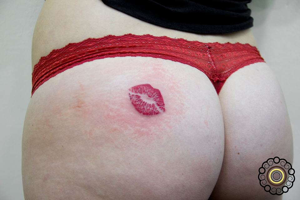 Kiss Ma Ass 95