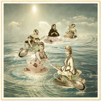 Surfers on a teacup sea by hogret