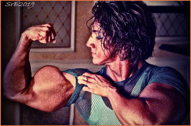 Biceps Mountain by SrBascon