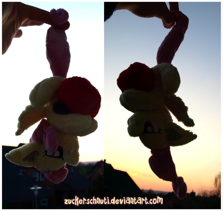 Flutterbat ..th3 apple-bat by zuckerschnuti