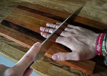 Chop fingers by RobinHedberg
