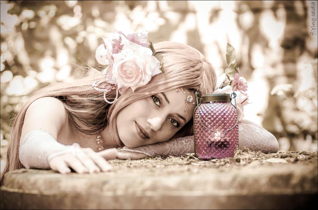Flora - Winx Club - the forgotten Princess by SweetLuminia