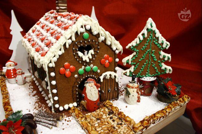 Casette Dolci Di Natale.Dolci Natalizi Casetta Di Natale Di Pan Di Spezie