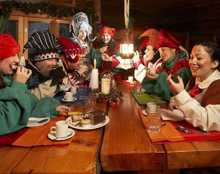 Babbo Natale E Gli Elfi.La Storia Degli Elfi Di Natale