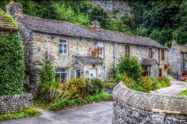 Derbyshire Cottage - HDR by teslaextreme