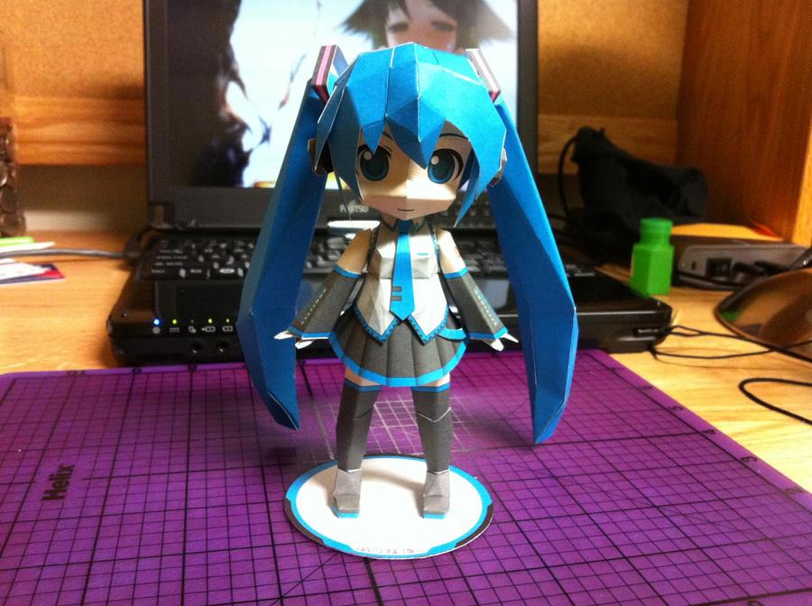 Hatsune Miku Papercraft - Download Link Up by Magedark9