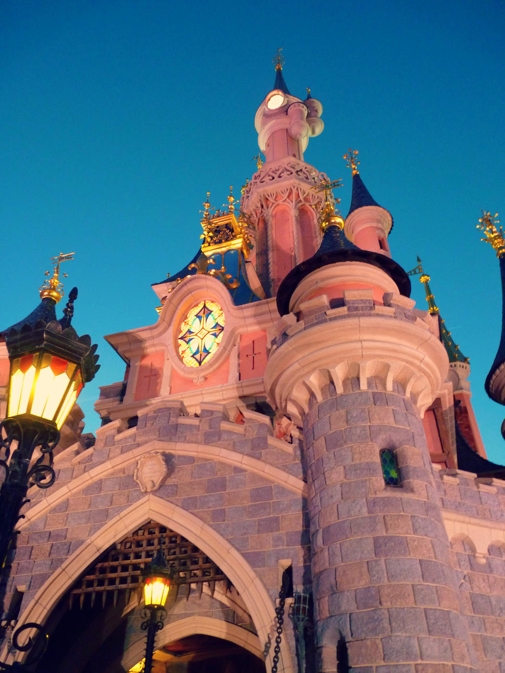 Le chateau de la belle au bois dormant by llamalucy on deviantart - Chateau la belle au bois dormant ...