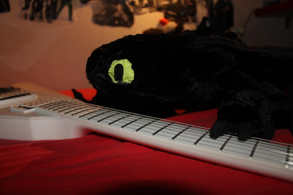 Toothless by Amaterasuscorp1