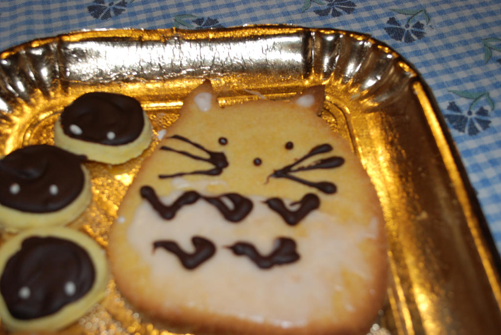 Totoro cookie by minamurrayXVII
