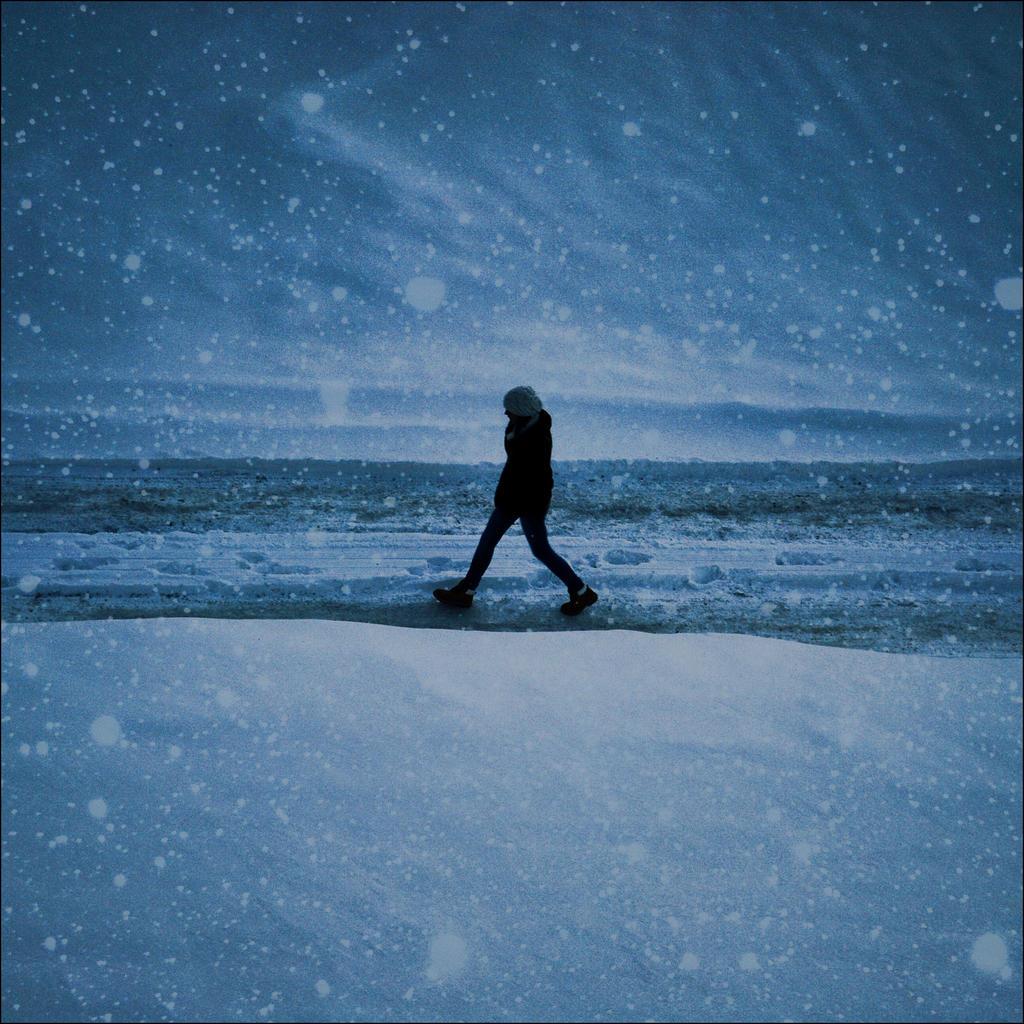 winter night by VesnaSvesna