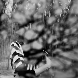 I lose myself in a broken mirror