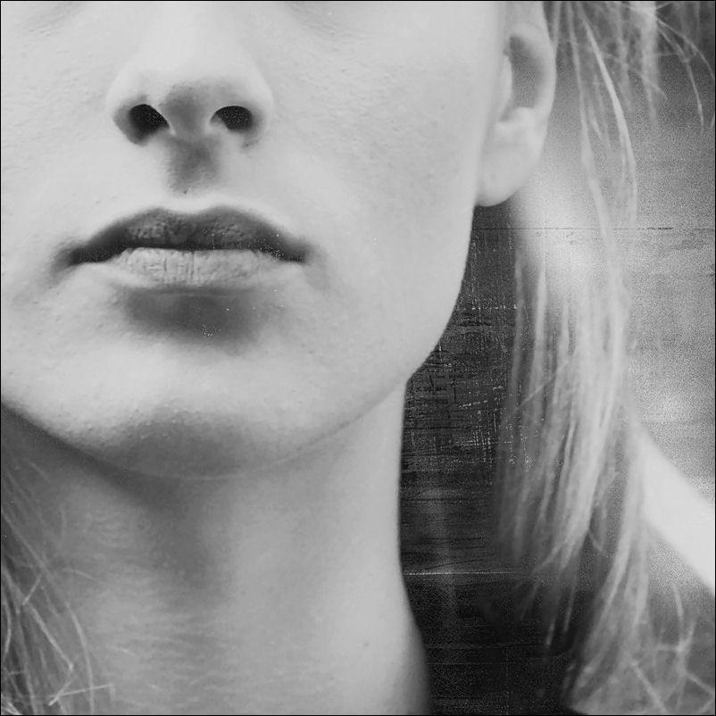 silence by VesnaSvesna