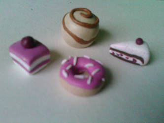 sweets miniatures by Dessi-Goes-Gothic
