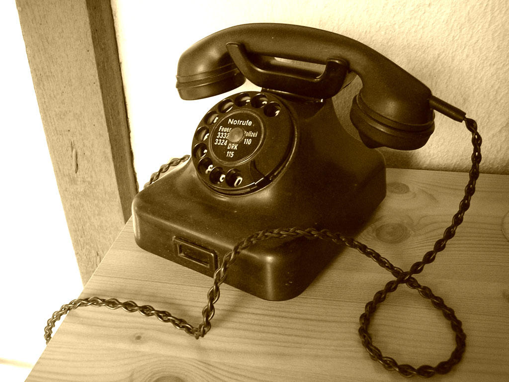 old telephone in the past pinterest. Black Bedroom Furniture Sets. Home Design Ideas