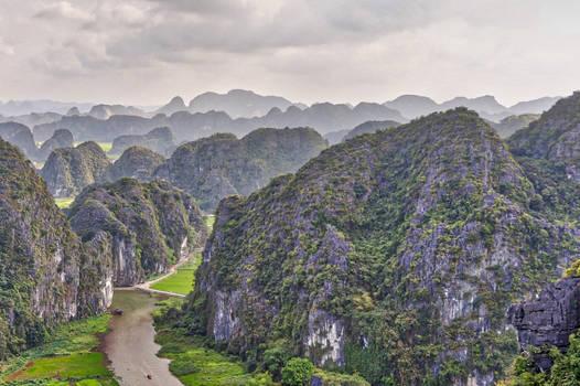 Worth the 450 stairs: Dragon Mountain, Vietnam