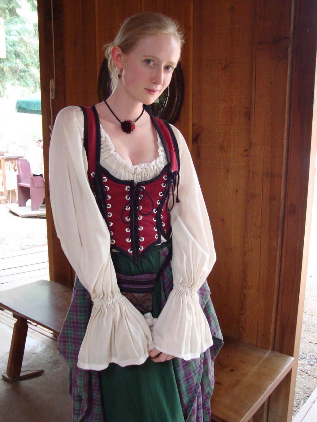Germanic Maiden by gollumsalterego