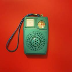 Retro Radio Red