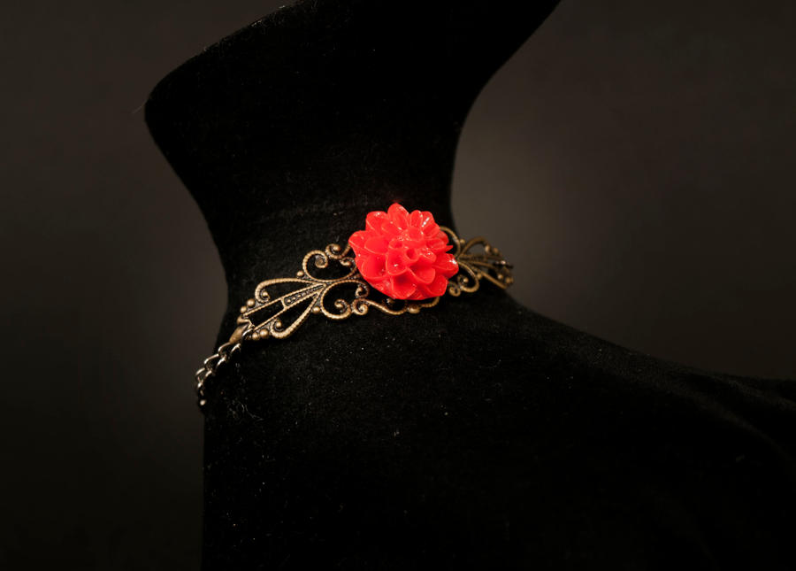 bracele - red rose by Sizhiven