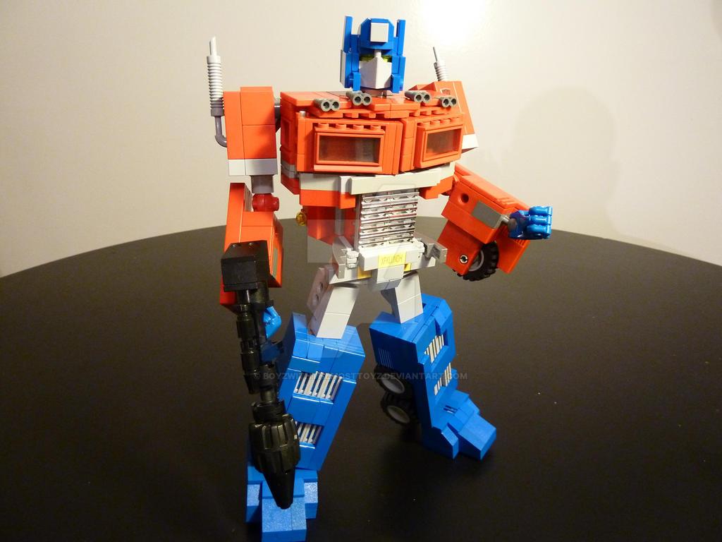 Optimus Prime (Lego) by boyzwiththemosttoyz