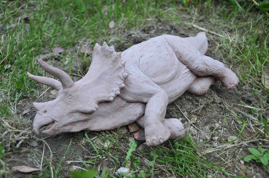 Jurassic Park Triceratops Sculpture