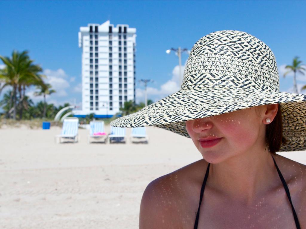Beach Hat by Mischi3vo