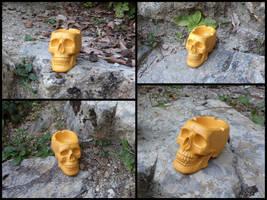Saffron yellow skull ashtray by LaddeDadde