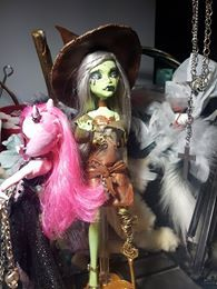 Witch Doll-First complette Doll!