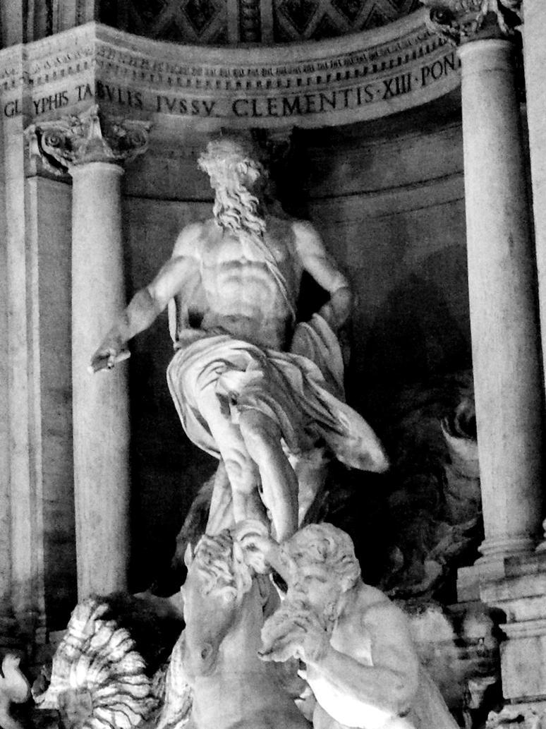 Roman Statue by Thishu...