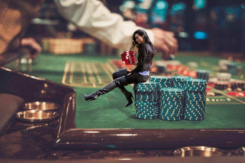 Shrinking Casino' by zozqzamz