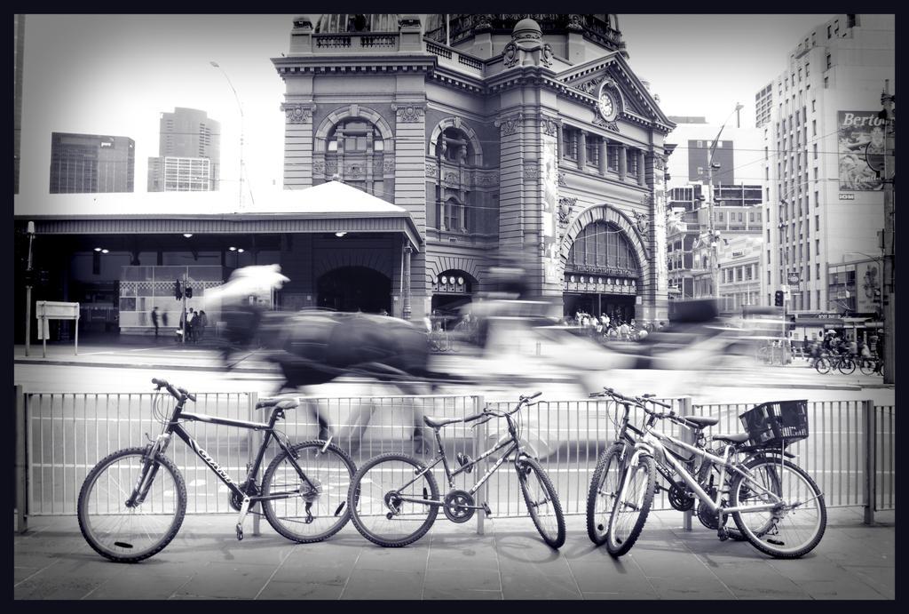 Public Transport by OverTheLazyDog
