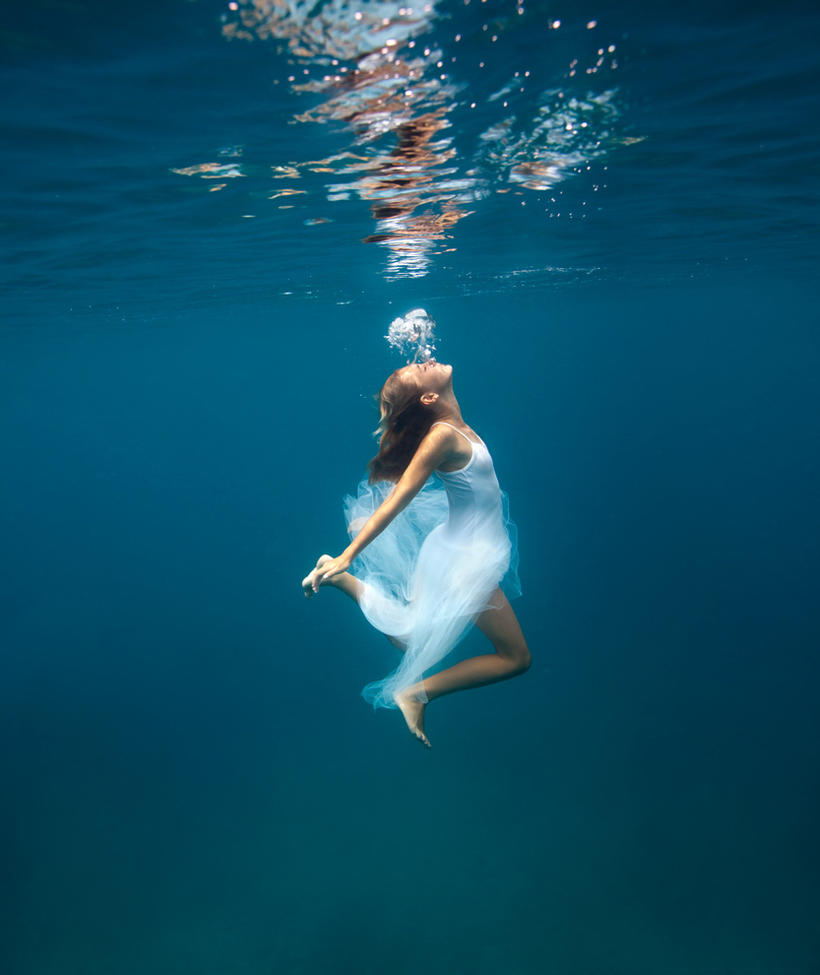 When you reach the surface ... by SachaKalis